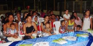 Las madres lactantes de la comuna 10 de Riohacha se dieron cita en el parque de la Vida.