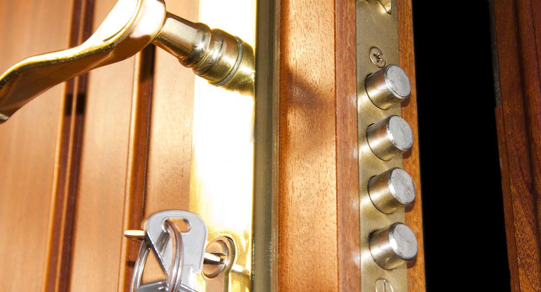 Instale cerraduras de alta seguridad