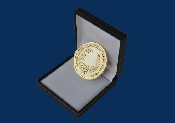 medalla-alfombra-azul