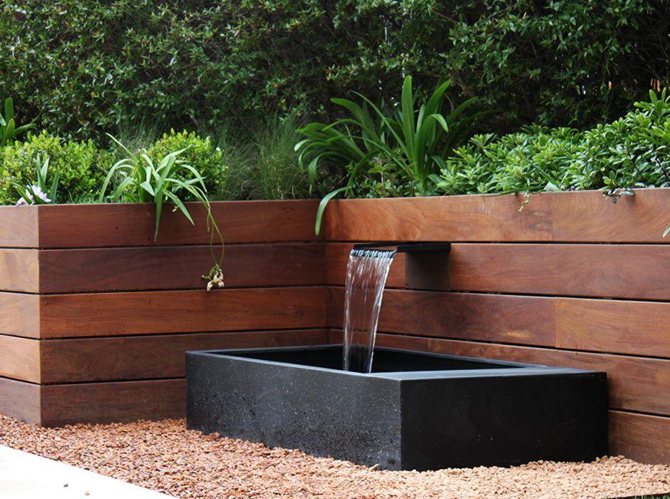 Fuente de jardín tipo cascada