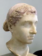 Cleopatra VII, amante primero de Julio César, y de Marco Antonio después
