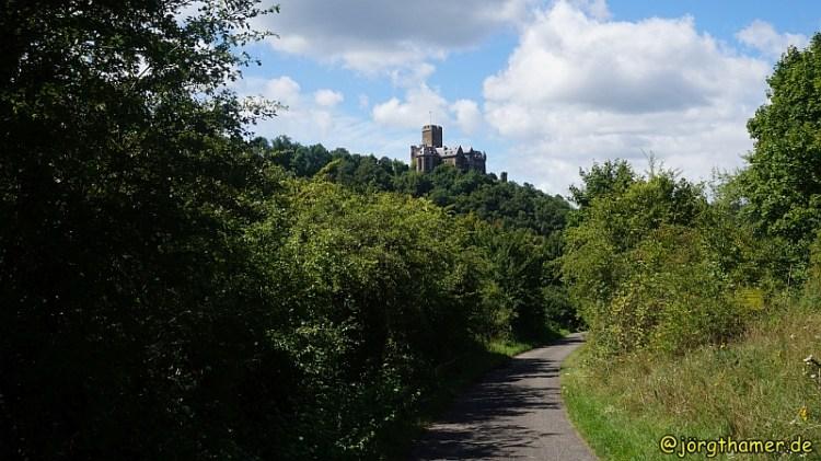 Lahnwanderweg - Burg Lahneck