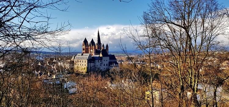 Blick vom Greifenberg aus auf den Limburger Dom