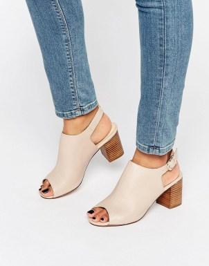New Look - Chaussures en cuir à talon carré et bride arrière 38,99 €