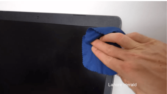 How to Clean a Laptop LCD Screen