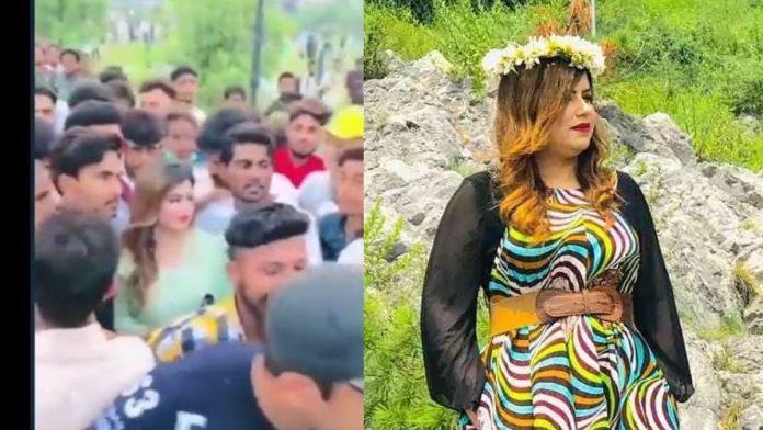 Ayesha Akram publicity stunt