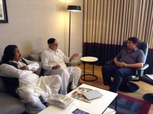 Sardar Abdullah Mengal of Baluchistan meets Musharraf at Avari Towers, Karachi to formally join APML