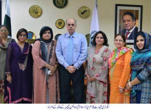 Federal Secretary Ministry of Commerce Qasim M Niaz with IWCCI delegation
