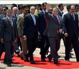Pakistan PM Nawaz Sharif at Delhi airport 26-5-14