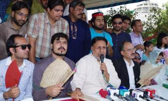 PTI Mian Mehmood Ur Rasheed at Protest Camp