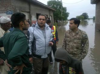 Pak Army and Rescuers work shoulder-to-shoulder
