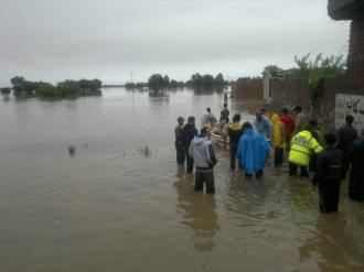 Rescue 1122 evacuates flood affectees