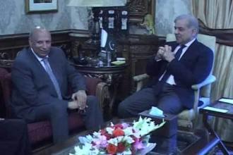 Ch Sarwar meets Shahbaz Sharif