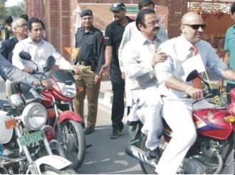 women-on-wheels-in-faisalabad