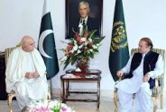 Mehmood Khan Achakzai called on Prime Minister Nawaz Sharif