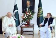 Mehmood Khan Achakzai called on Prime Minister Nawaz Sharif