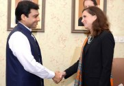 US Consul General Lahore calls on Ch Brothers & Hamza Shahbaz