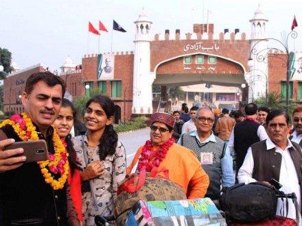 Hindu yatrees arrive in Pakistan on 10-day visit