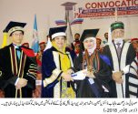 Dr. Yasmin Rashid gives awards to shining students of AMC