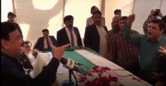 Sheikh Rasheed warns media on boycott in Karachi