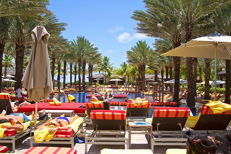 Sailing-Travel-Lifestyle-Blog-Bahamas-Atlantis-Paradise-Island-LAHOWIND-Kimberly-Joy-Photography-Naples-Florida-eIMG_7031