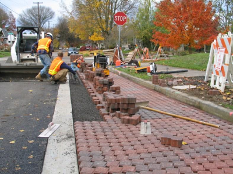 20191027D porous-pavement-rex-pavers-0001-provided-by-city-of-portland-x400.jpg