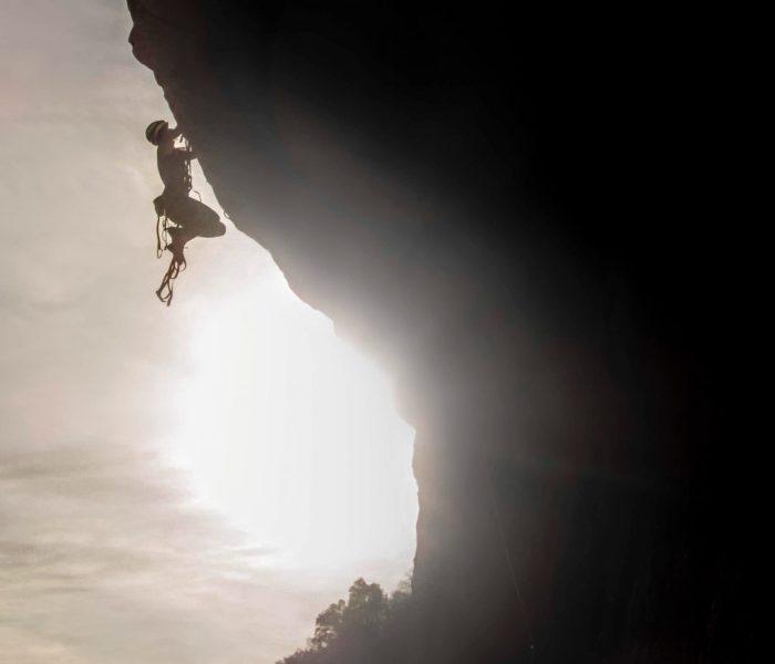 Roca dels Arcs – Multi-pitch  and Aid Climbing in Vilanova de Meià (Lleida)