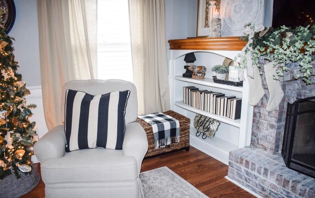 Laila Belles Cozy Christmas Living Room Decor