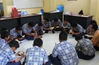 Menghafal Al-Qur'an dalam Kelompok-Kelompok Kecil