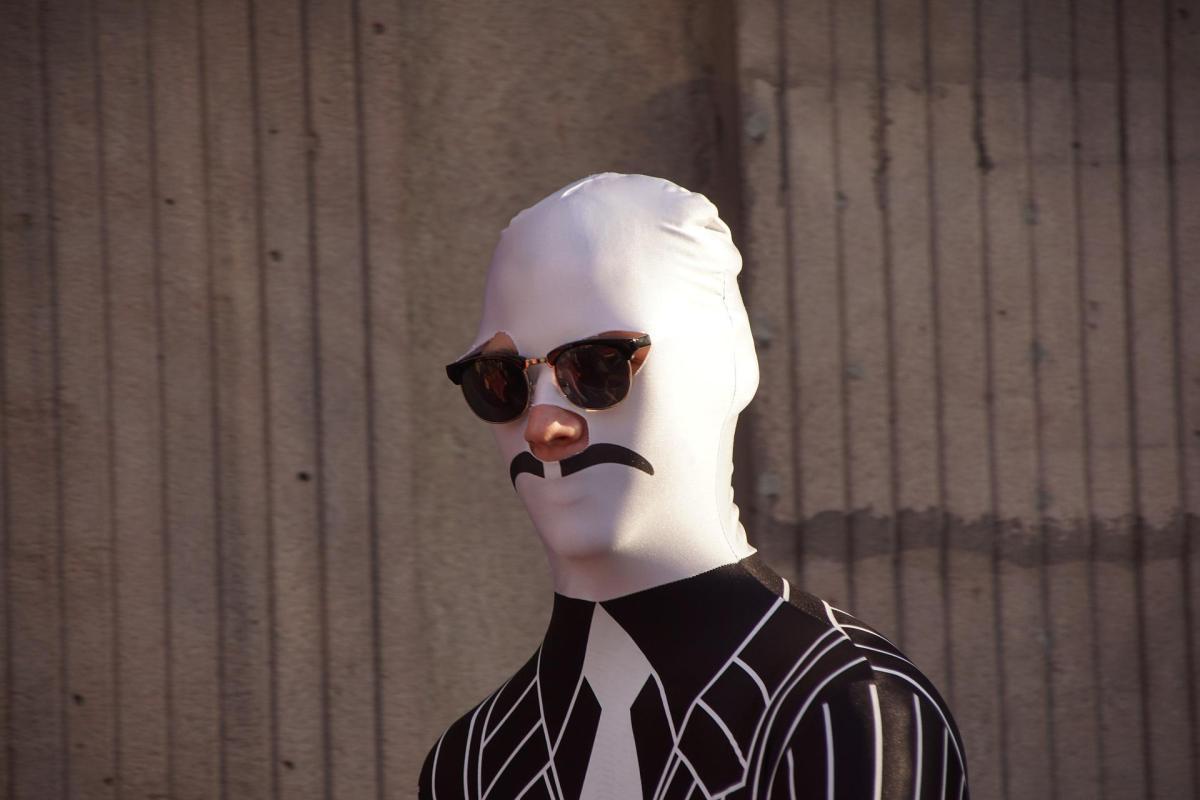 impostor mascara persona