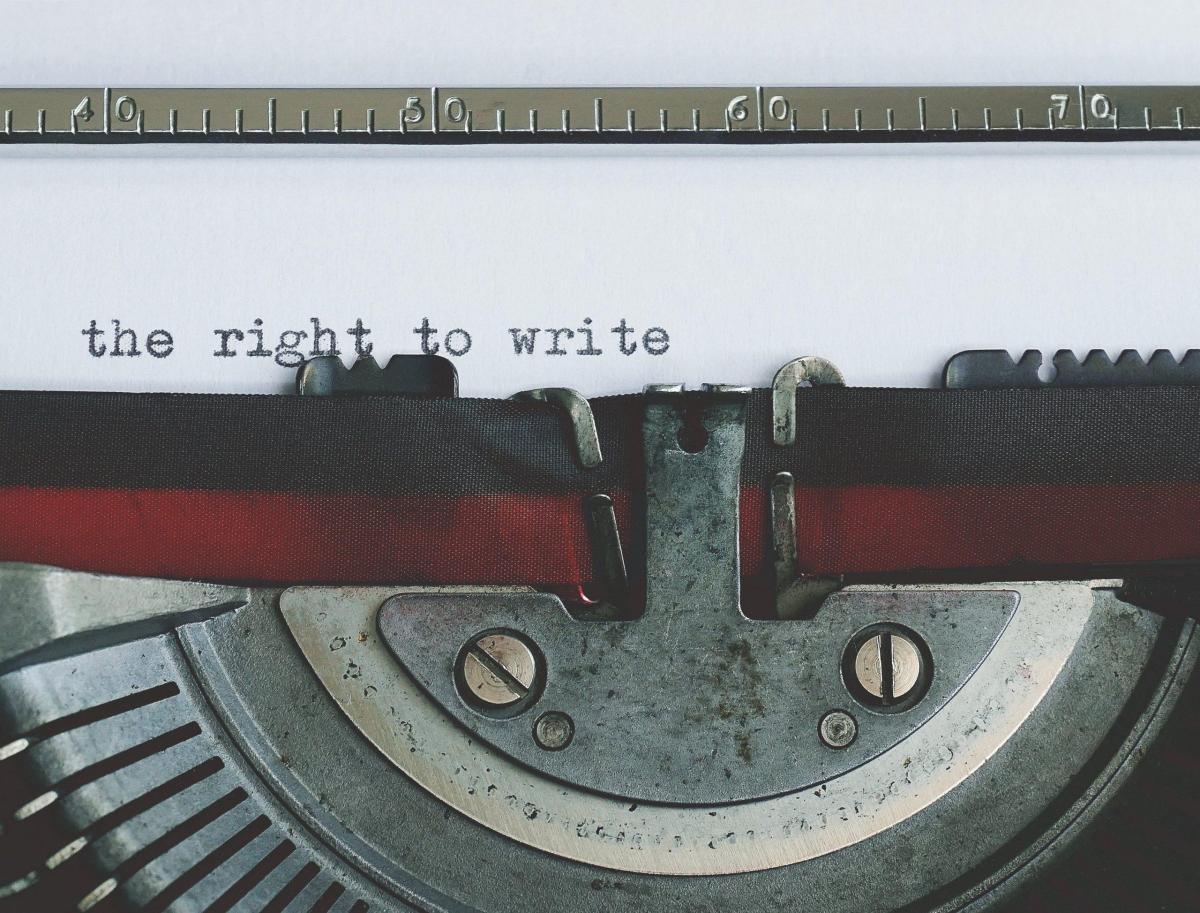 confesión maquina de escribir
