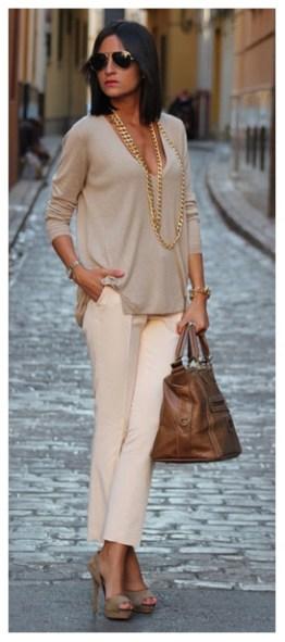 02_looks-de-trabalho_chiques-e-elegantes_looks_-detalhe-que-fez-a-diferenc3a7a-_-look-bege_colar-de-corrente-dourado_look-nude