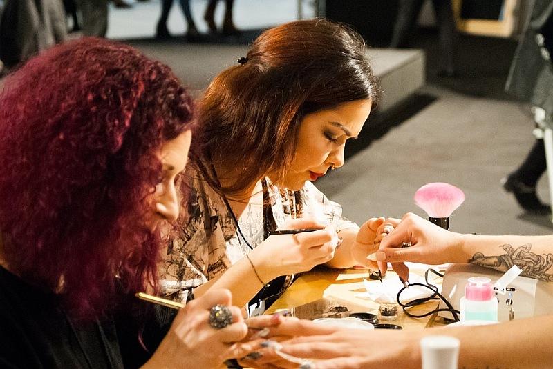 Ką daryti, kad rankų oda ir nagai būtų tinkamai prižiūrėti?