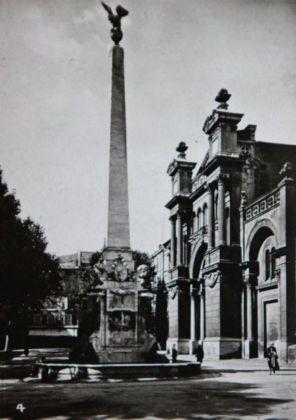 Aix-1942-04