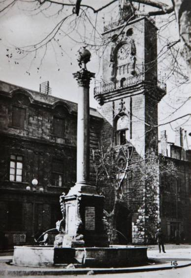Aix-1942-17