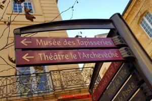 Drôle de nom de théâtre !