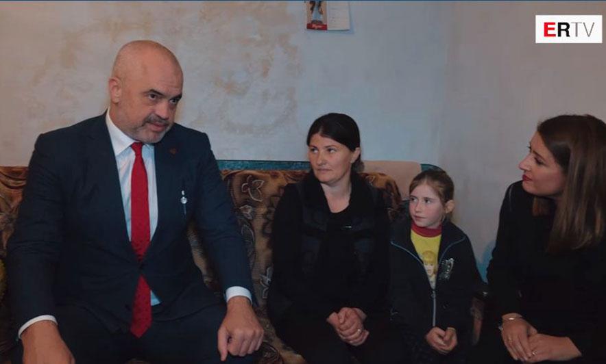 """""""Mos i sillni shqiptarët për azil"""""""