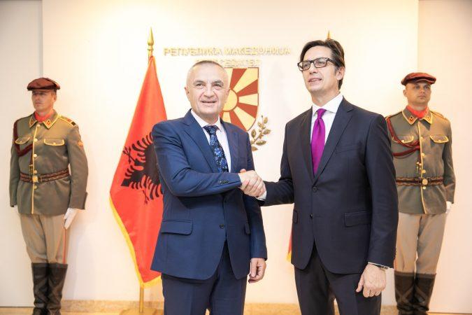 """""""Të fuqëzojmë lidhjet tona""""/ Meta takon përfaqësues të komunitetit Arbëresh: Kjo pasuri e përbashkët e Shqipërisë dhe Italisë"""