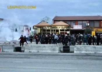 FOTO+VIDEO/ Gurë e gaz lotsjellës
