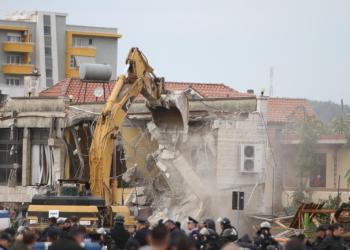 Foto dhe Video/ IKMT vazhdon aksionin mes përleshjeve