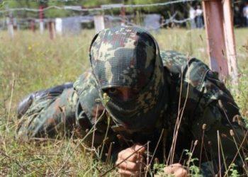 Ushtarët e rinj përfundojnë kursin Komando