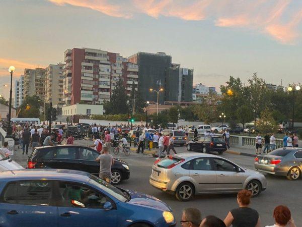 Shpërthimi me tritol që tronditi kryeqytetin/ Reagon nipi i Kastriot Reçit: Kam qenë në një lokal në Tiranë si student