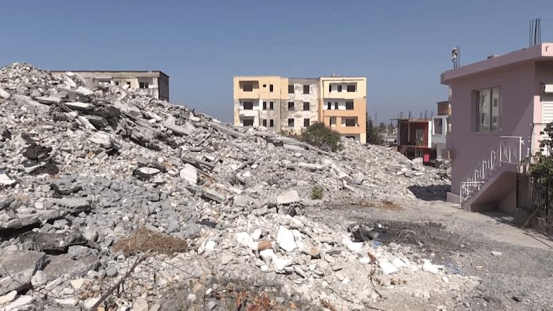 Malet me inerte nuk pastrohen/ Godinat e dëmtuara nga tërmeti u shembën në qershor