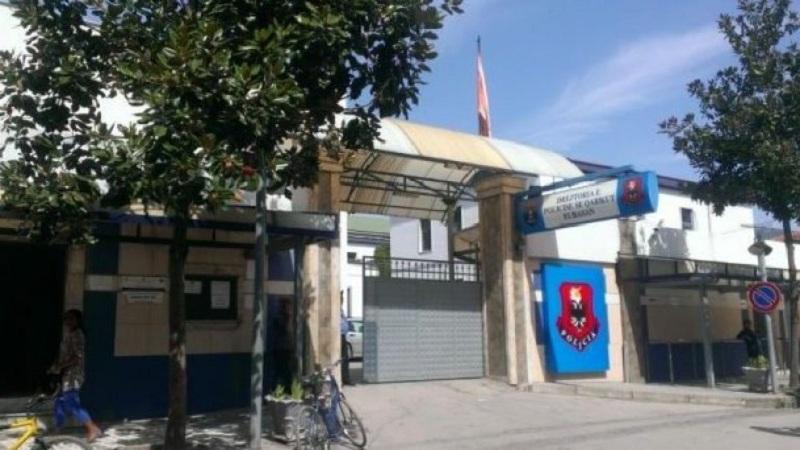 Shkelje e rregullave të qarkullimit rrugor e lojëra fati në lokale/ 2 të arrestuar në Elbasan