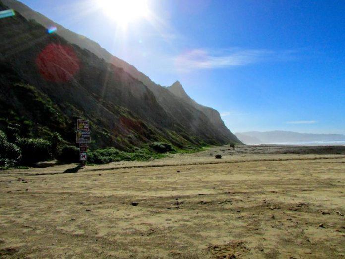 torrey-pines-blacks-beach-cliffs