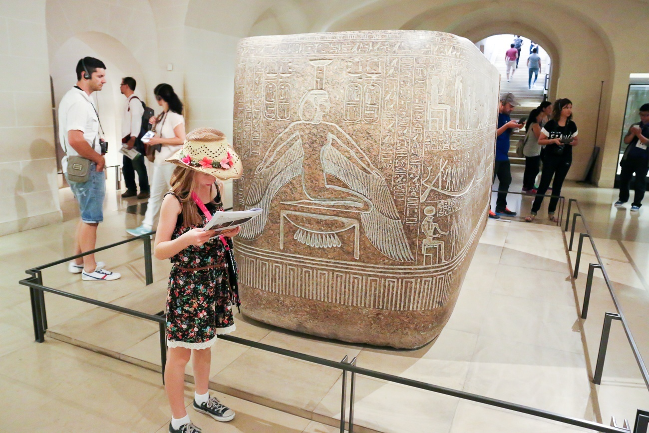 Paris With Kids Book A Treasure Hunt In The Louvre Museum