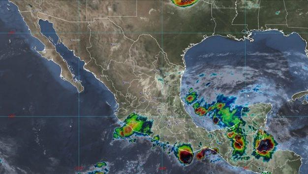 El SMN prevé posibles trombas marinas en costas de Oaxaca y Chiapas. Foto Tomada del Twitter @conagua_clima