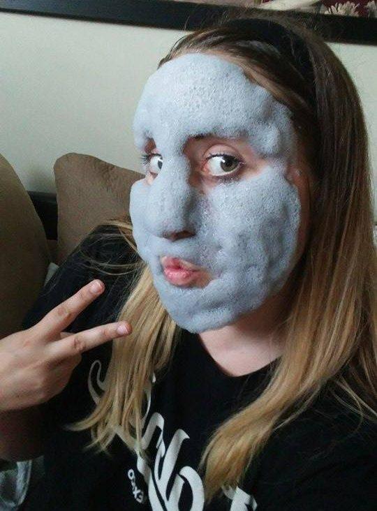 masque d'argile moussant, selfie