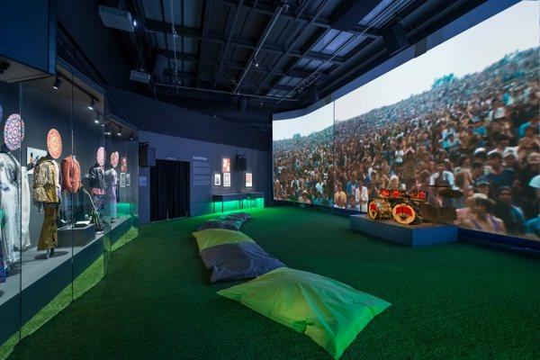 Exposition Révolution, salle Woodstock