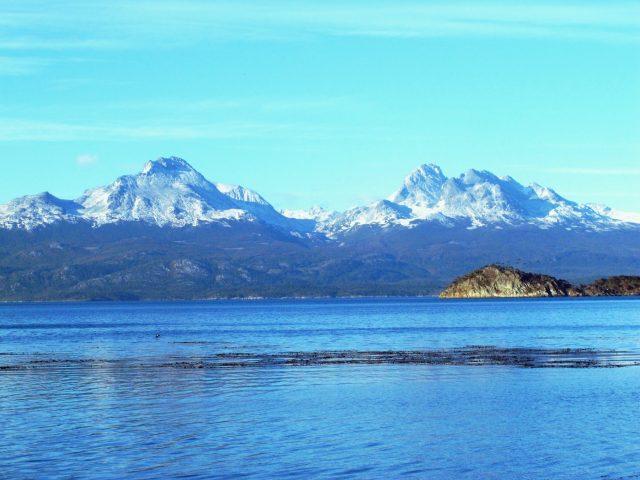Les Andes enneigées vues du parc Tierra del Fuego à Ushuaia